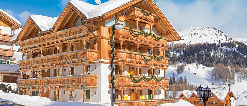 italy_dolomites-ski-area_arabba_garni_barbara_exterior.jpg